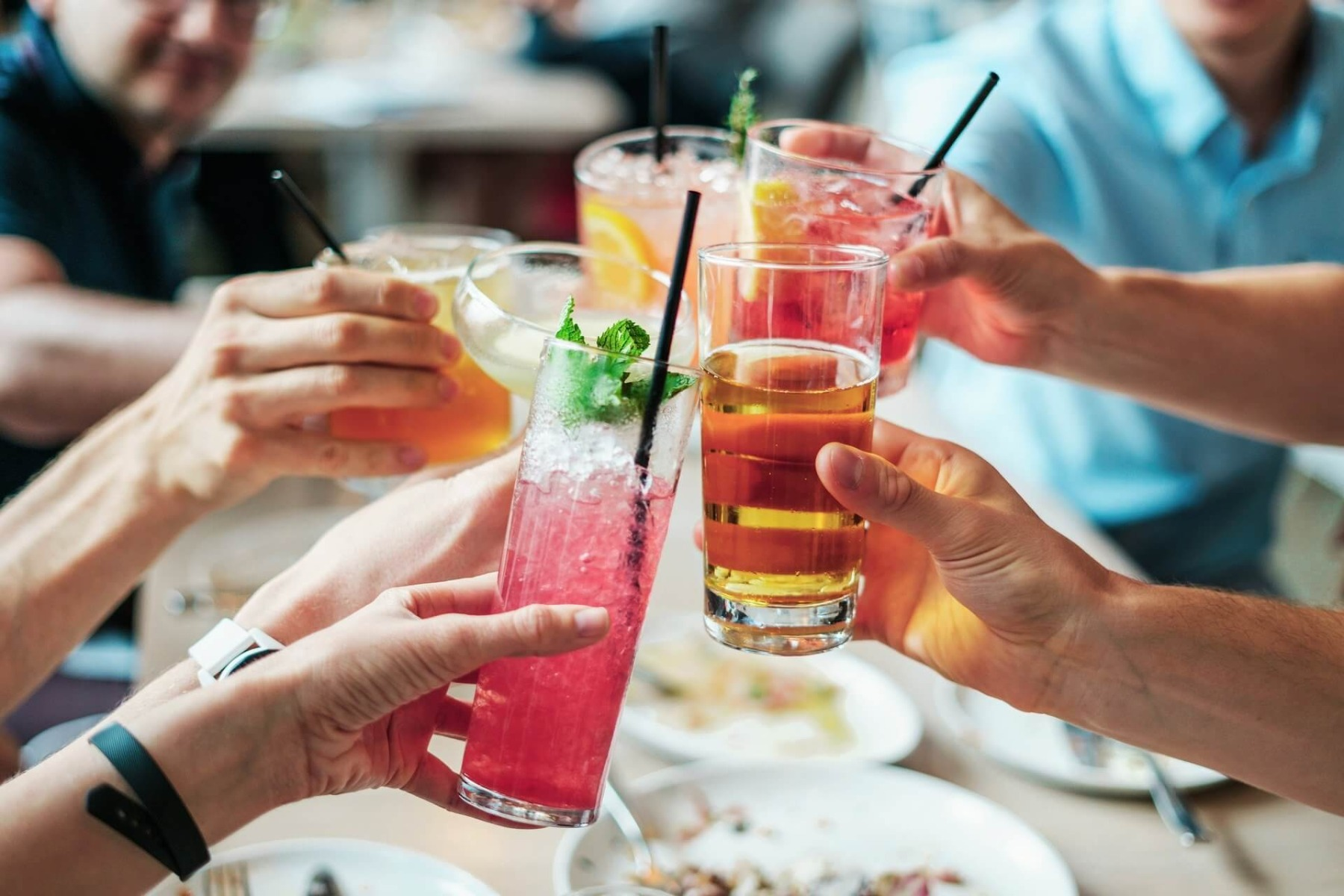 What are the six basiccocktails